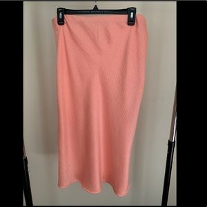 Dresses & Skirts - NWOT Coral Midi Skirt